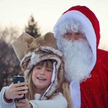 """Telefon w rękach dziecka, czyli jak odpowiedzieć na pytanie """"czy zasłużyłam na telefon"""""""