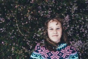 zdjęcie zadowolonej dziewczynki